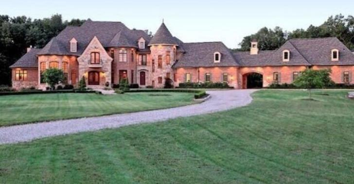 Mansions of the NFL